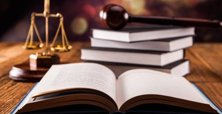 La réforme de la Constitution abandonnée au Parlement